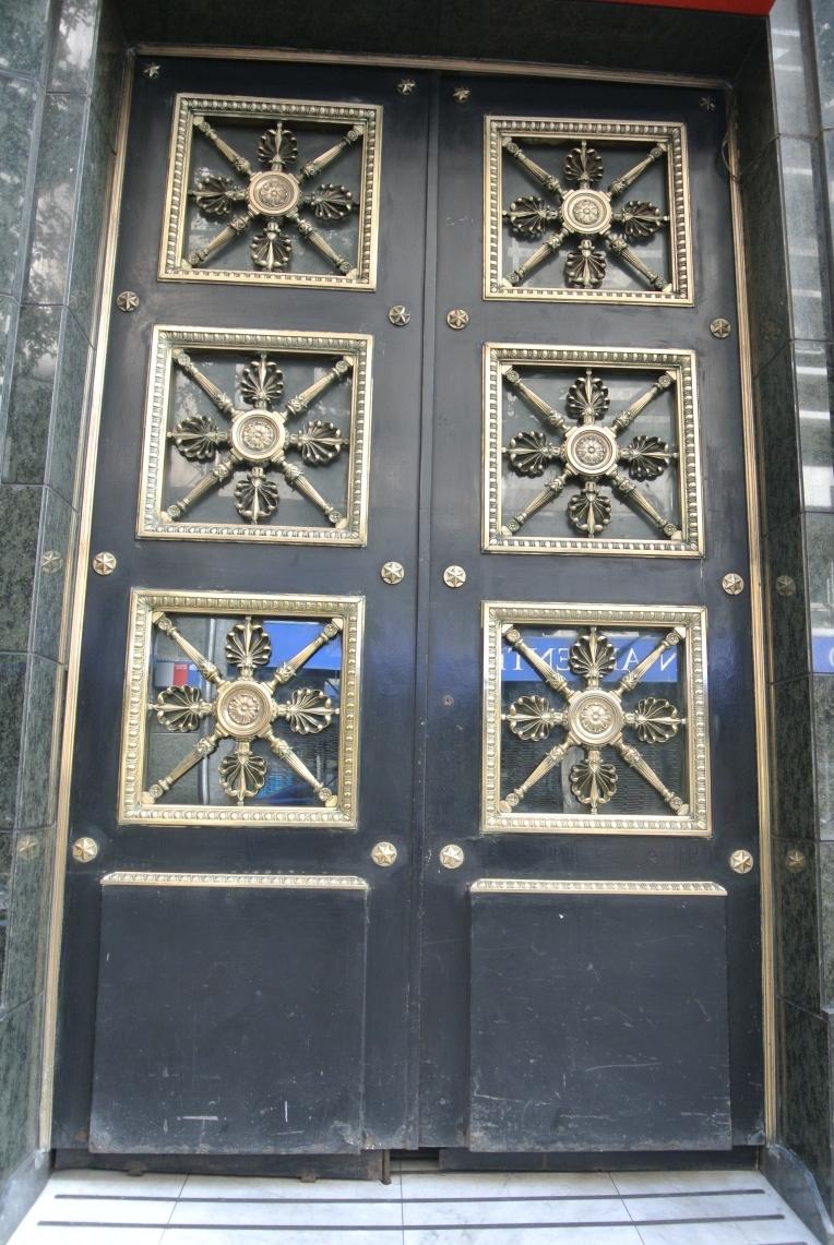 santiago-door