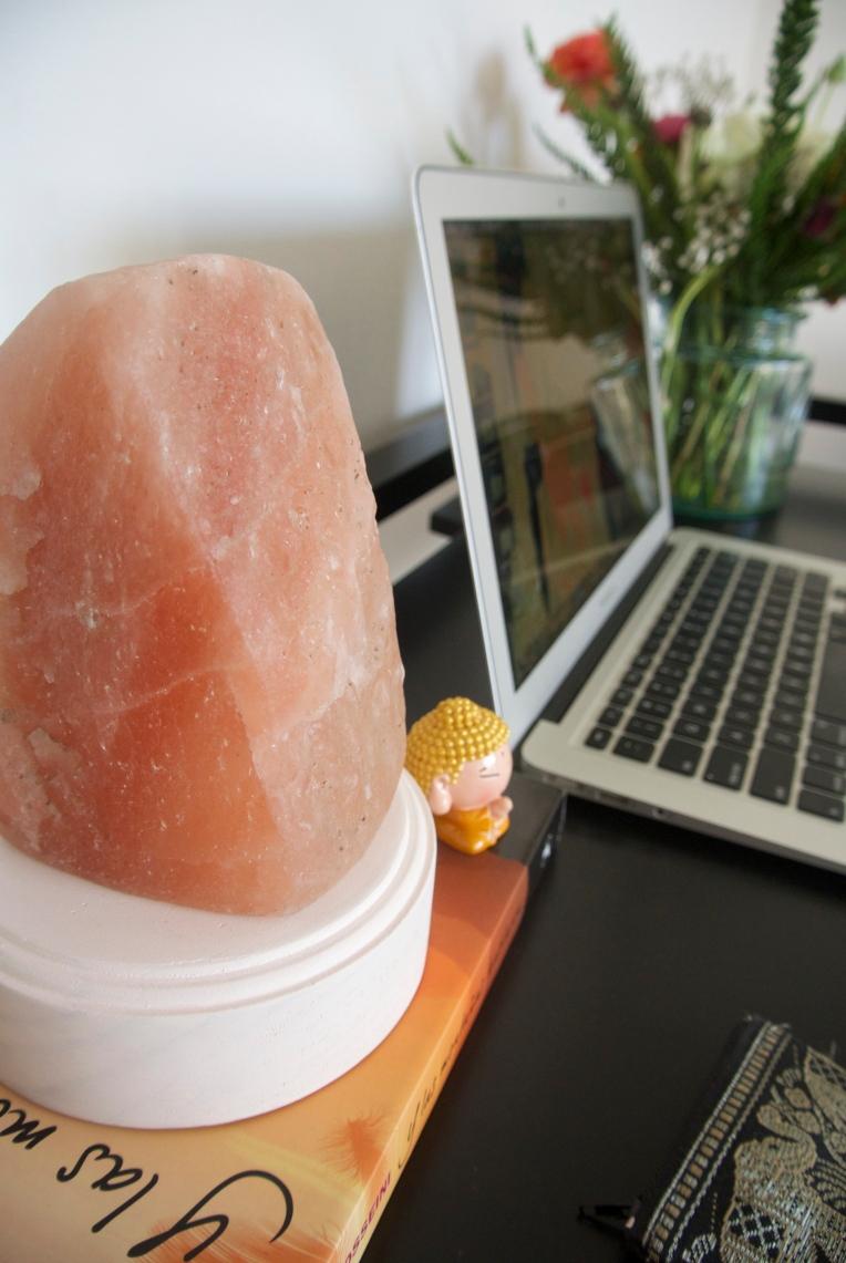 himalayan-salt-crystal-lamp